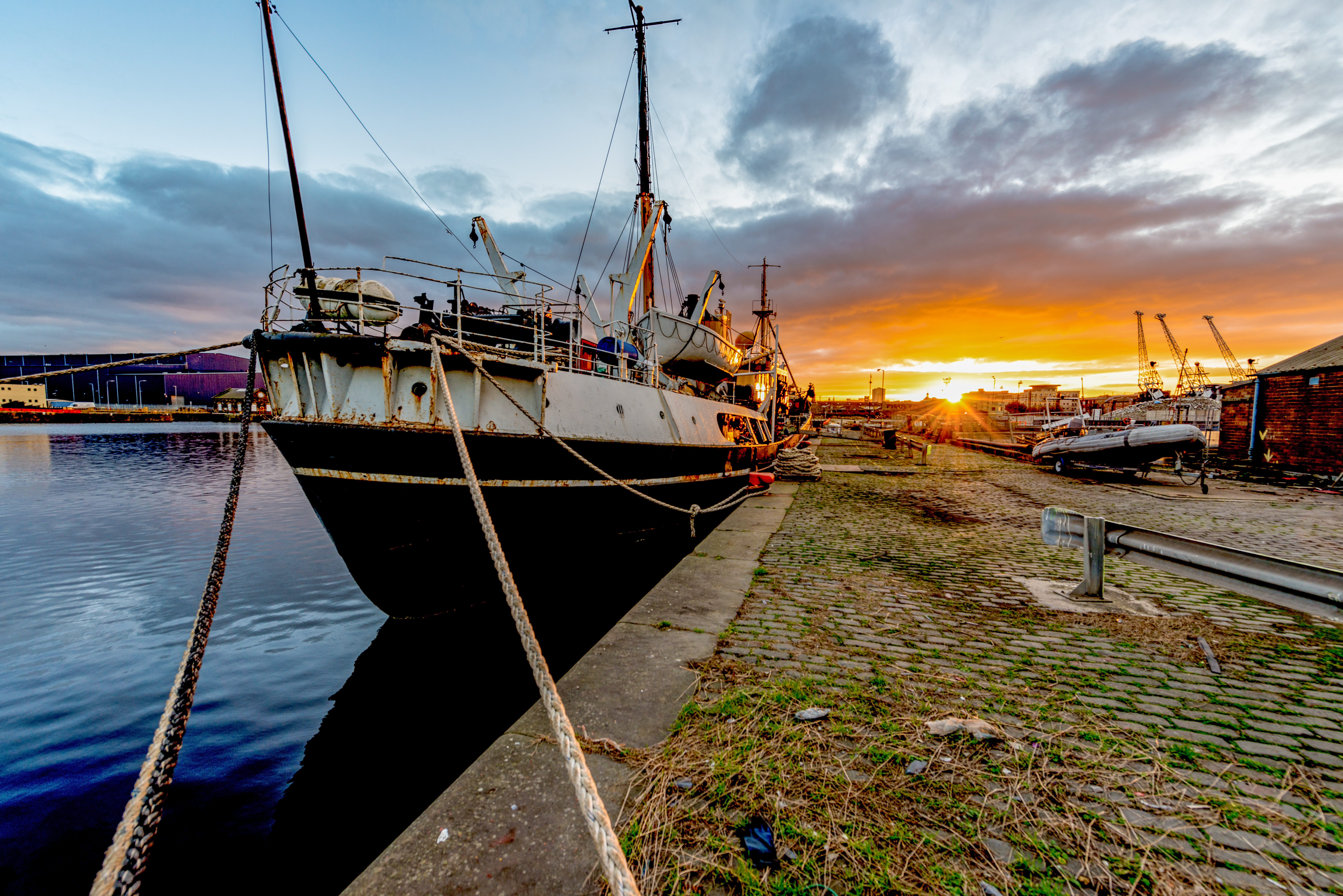 Explorer - sunset over Leith