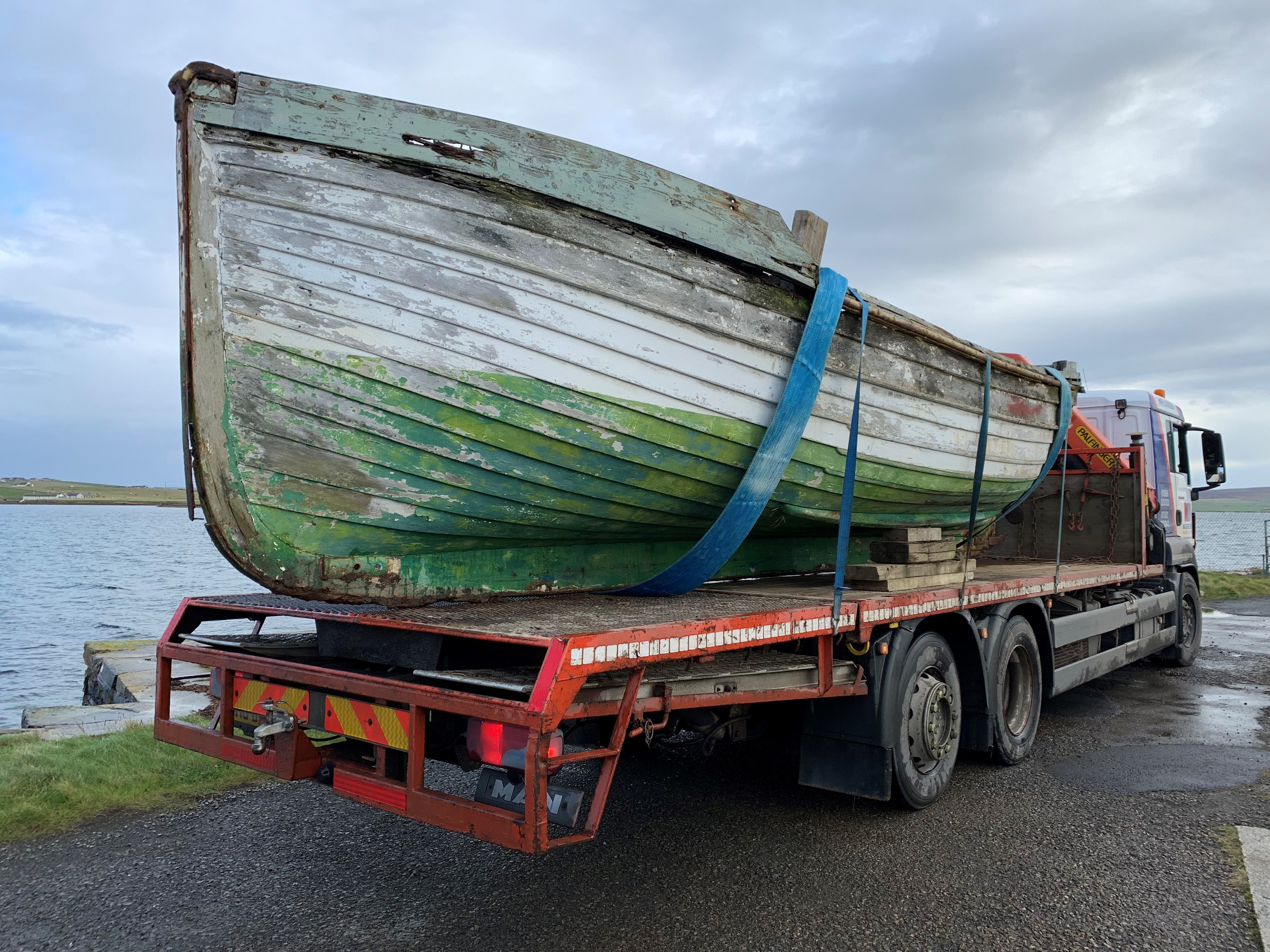 Arne Kjode lifeboat recovered by lorry to dry storage