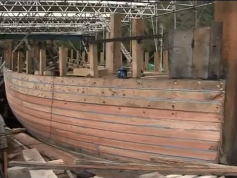 Pic 3: Pilgrim of Brixham undergoing hull restoration at Old Mill Creek, Dartmouth in 2010