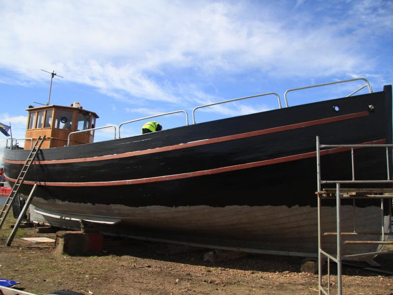 Willdora - hull being painted