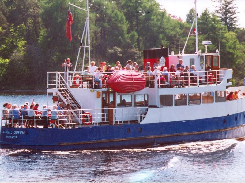 Jacobite Queen on Loch Ness.