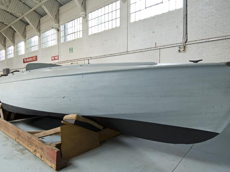 CMB 4 - starboard bow