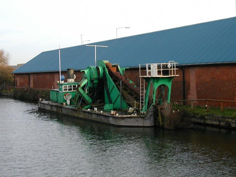 No 3 Dredger - forward starboard side view