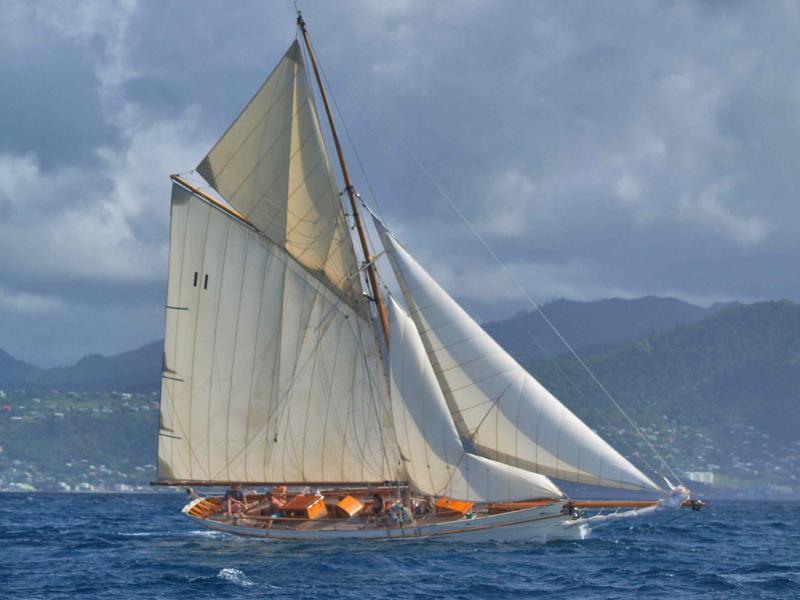 Thalia under sail - starboard side
