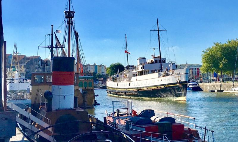 Balmoral moving back to her winter berth at the MShed, Bristol