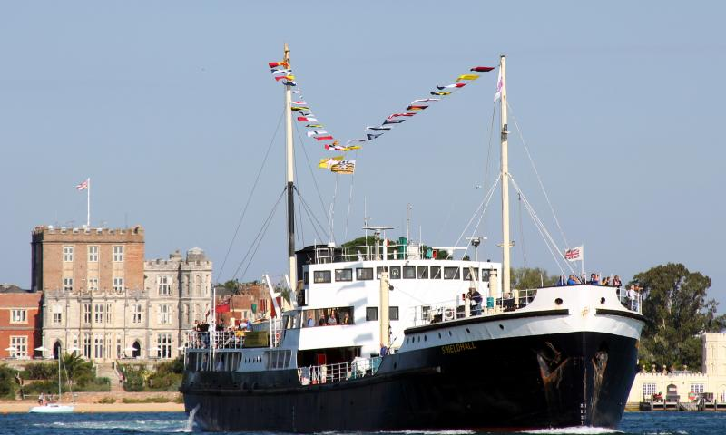 Shieldhall - bow view underway