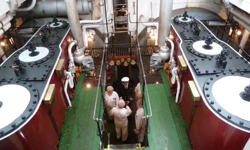 Passengers visiting the working parts of the Ship