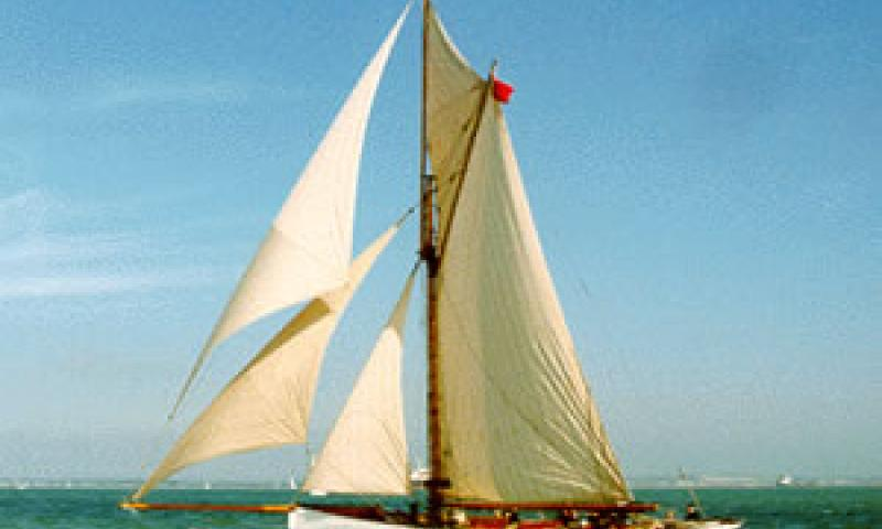 PARTRIDGE - under sail port side.