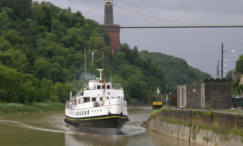 MV Balmoral Clifton Bridge