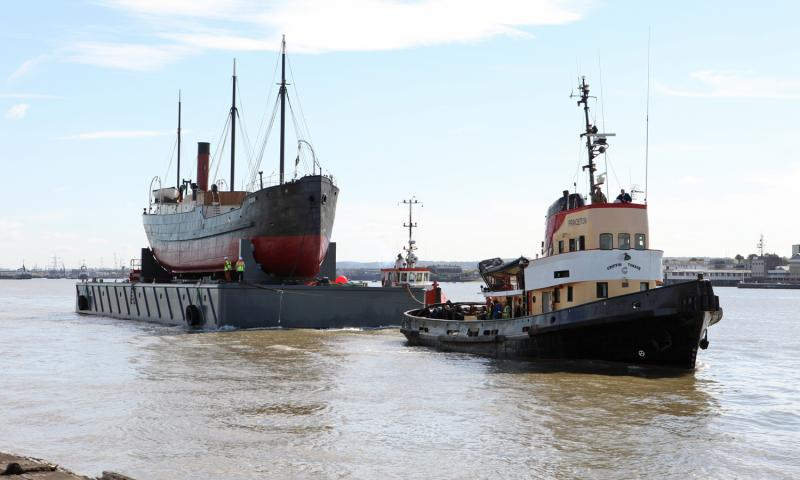 ROBIN approaching Tilbury Docks