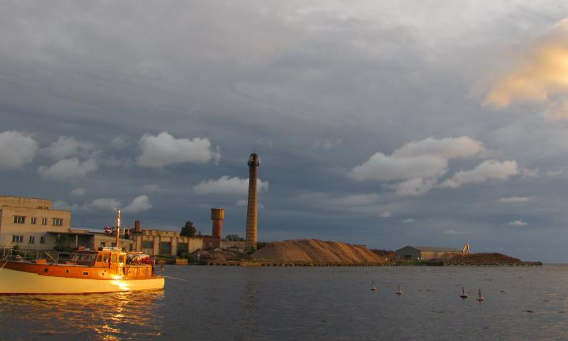 Photo Comp 2012 entry: Ruda - Moored dangerously close to the wood pulp factory