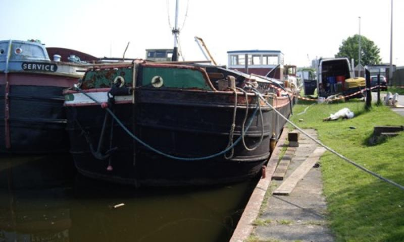 MISTERTON alongside, bow view
