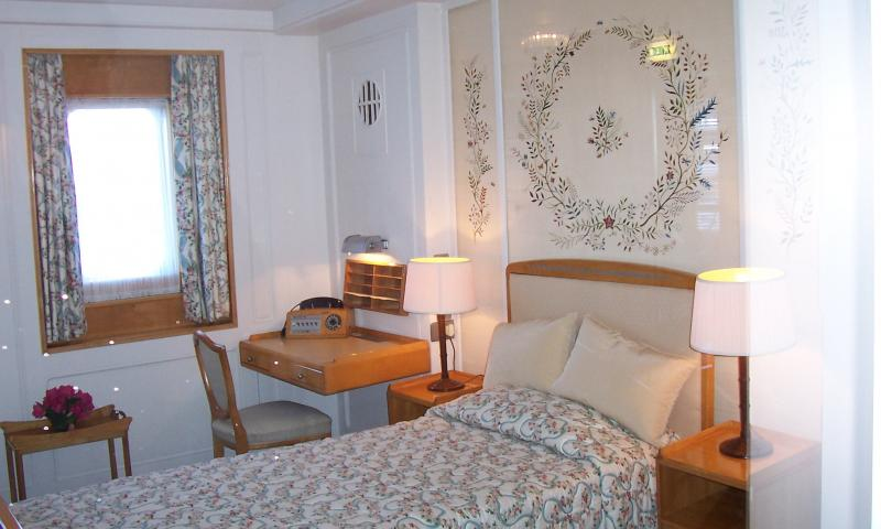 Royal Yacht Britannia - bedroom