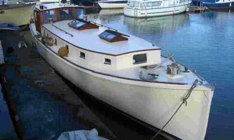 Fat Old Sun - starboard bow looking aft