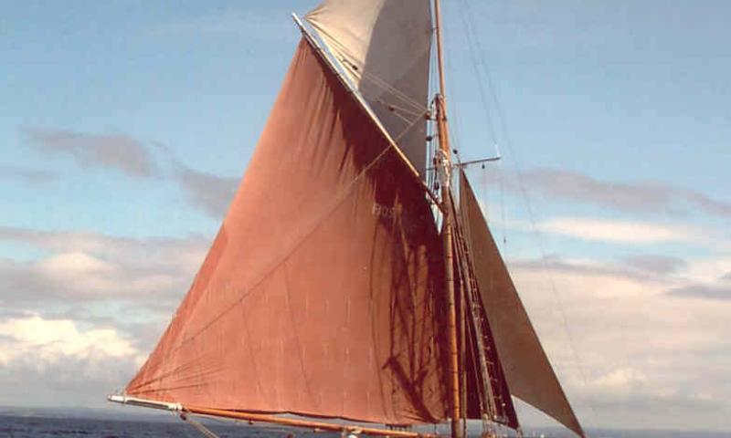Rosa and Ada under sail - starboard quarter