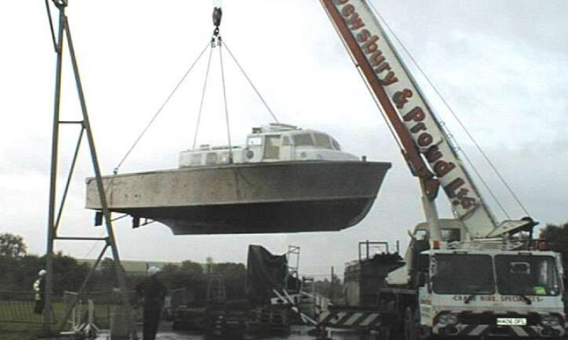 RSL 1667 being lifted - starboard side view