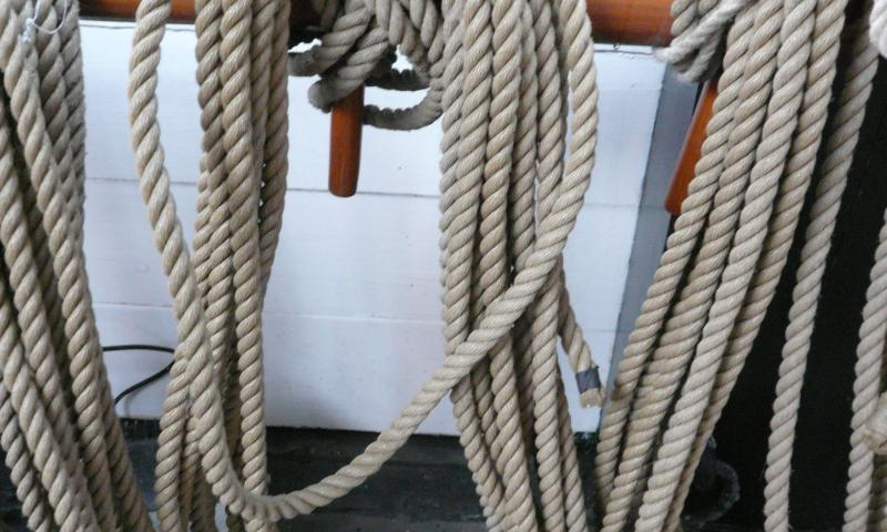 Discovery - ropes coiled on the pin rails