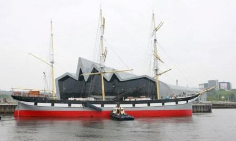 Glenlee - moving to Riverside on 5 May 2011