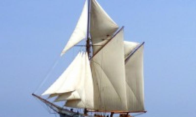 Irene sailing, port side view