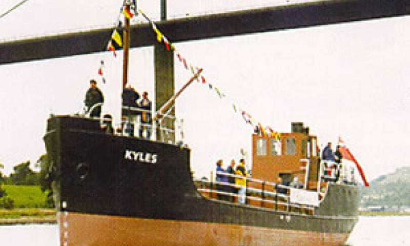 KYLES under way - port side