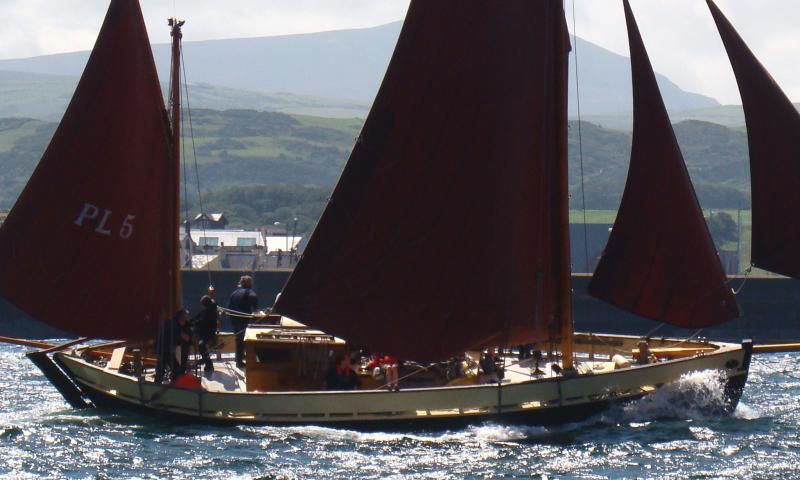 White Heather - under full sail