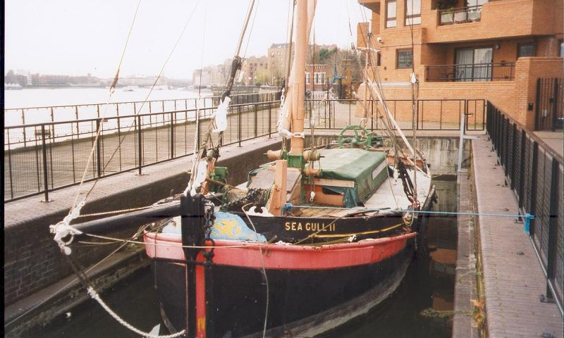 SEAGULL II - at Free Trade Wharf, London, 5 December 1998.  Bow view looking aft.