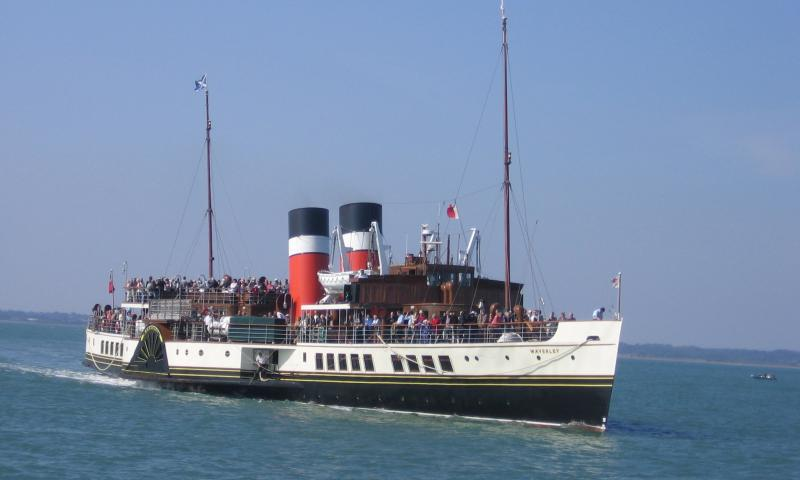 Waverley - bow view, starboard side
